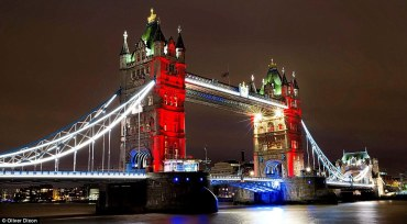 2e7249ea00000578-3318549-tower_bridge_is_lit_up_in_the_colours_of_the_french_flag_as_a_vi-a-35_1447544875722