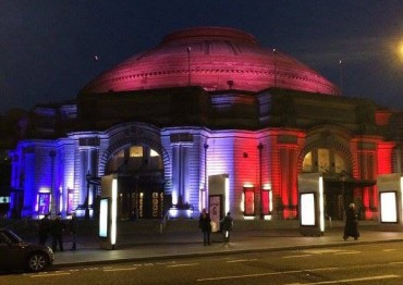 The Usher Hall is lit up blue, white, and red. Picture: @edinburghcoffee